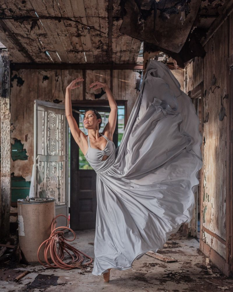 Powerful Photos Of Ballet Dancers On Streets Of Puerto Rico 5 Months After Hurricane Maria Ballet Dance Photography Ballet Dancers Dance Photography