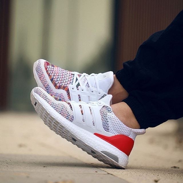 adidas Ultra Boost: Red/Multicolour