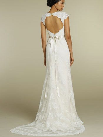 Stunning Lace A Line Wedding Dress V Neck Keyhole Back Cap Sleeves