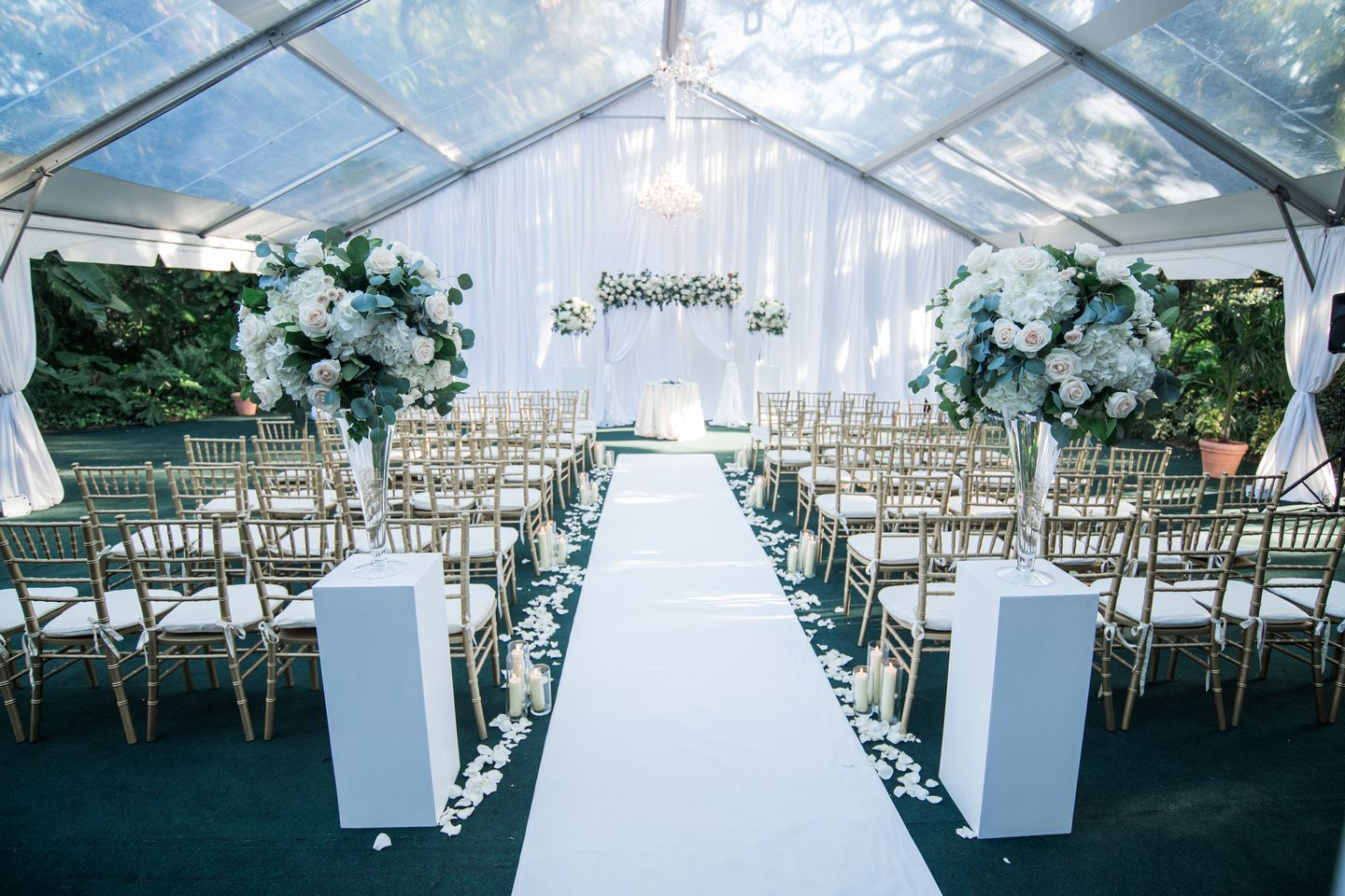 Villa Woodbine Miami Florida Wedding Lush Formal Wedding With Greenery Tall Rose And Hydrangea Centerpiece Te Tent Decorations Tent Wedding Villa Woodbine