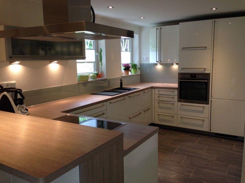 Unsere neue Küche ist fertig. Der Hersteller ist: Häcker - Systemat ...