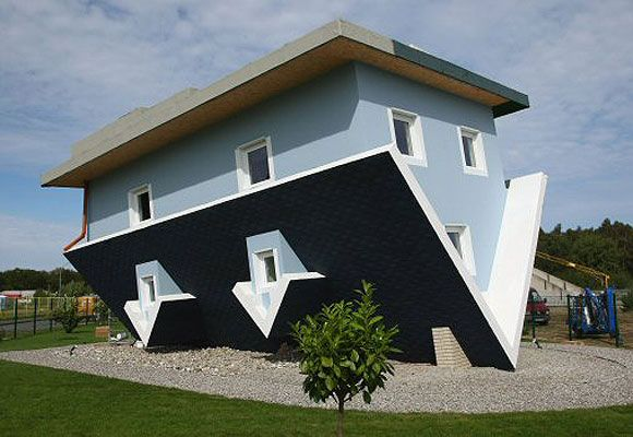 7 Buildings That Defy The Laws Of Physics Crazy Houses Upside Down House Amazing Architecture