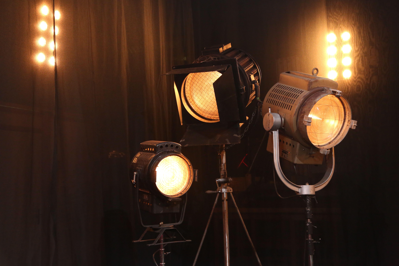 Vintage Scheinwerfer Alte Theaterscheinwerfer Von 2 000w 10 000w Auf 2 000w Umgebaut Zu Mieten Bei Menzi Ebz Objekt Objekte Ideen