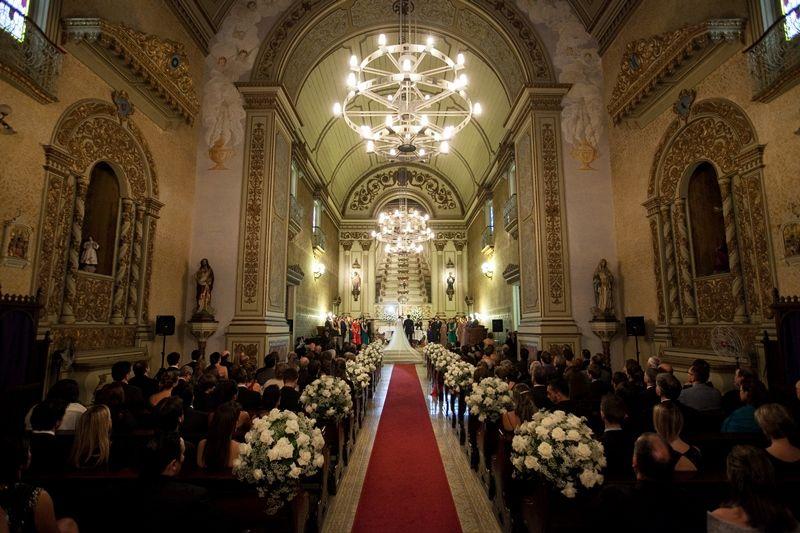 Casal durante a cerimônia - Laura de Carvalho e Flávio Vianna