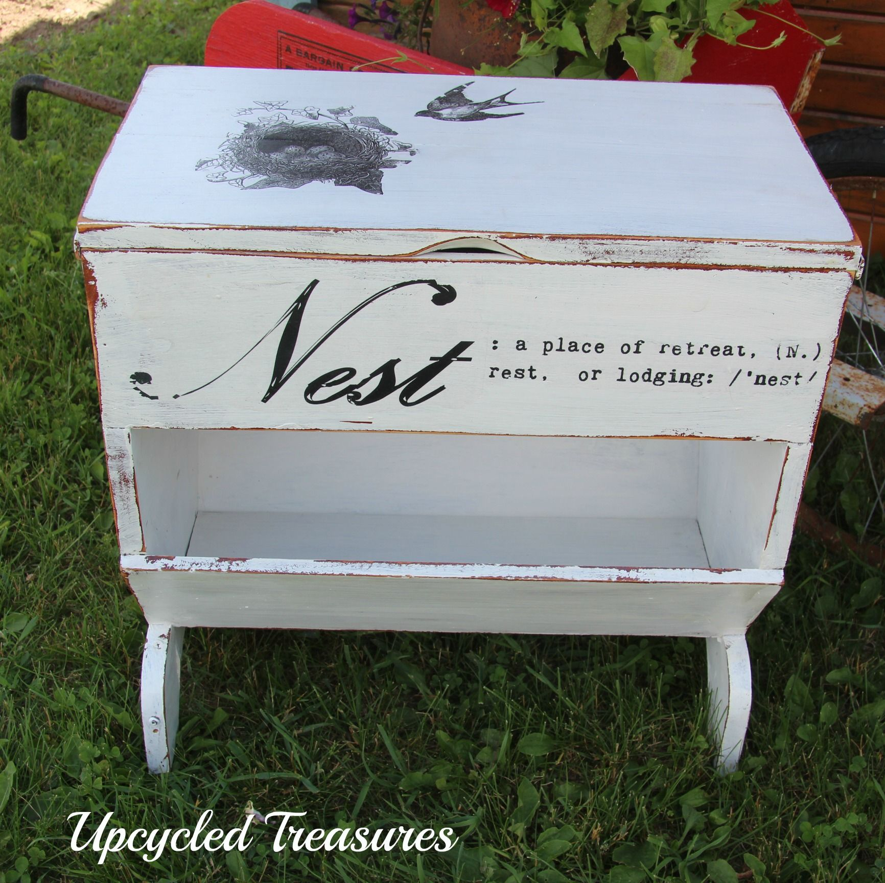 Upcycled vintage end table magazine rack #chalkpaint # ...