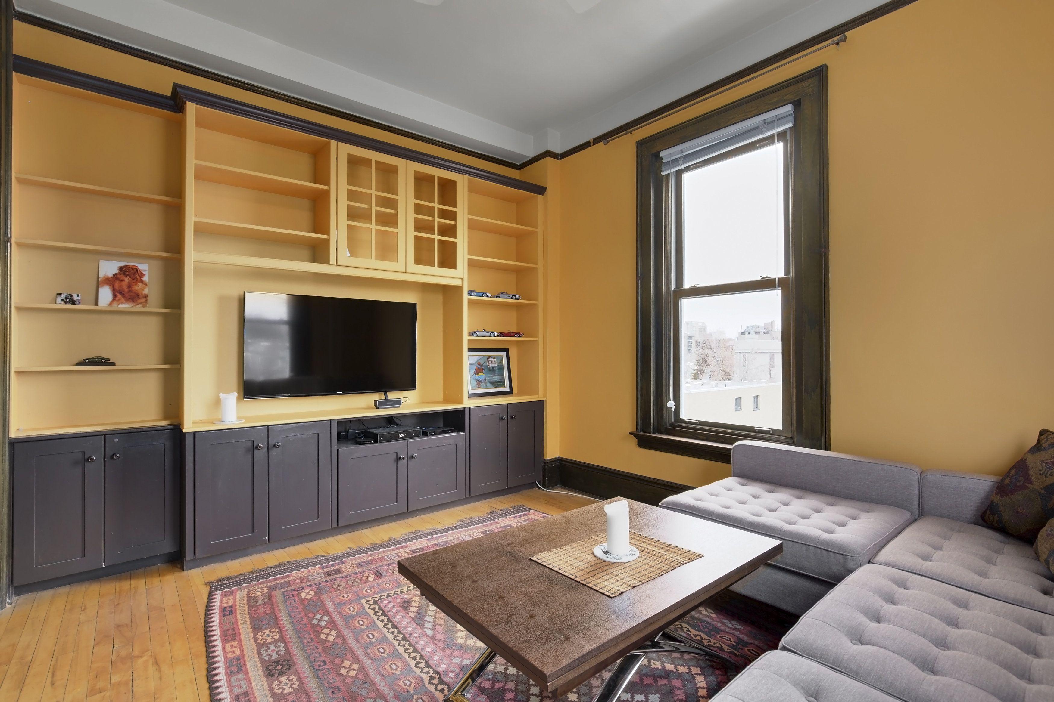 Living Room Built Ins 309 804 18 Avenue SW Anderson Estate