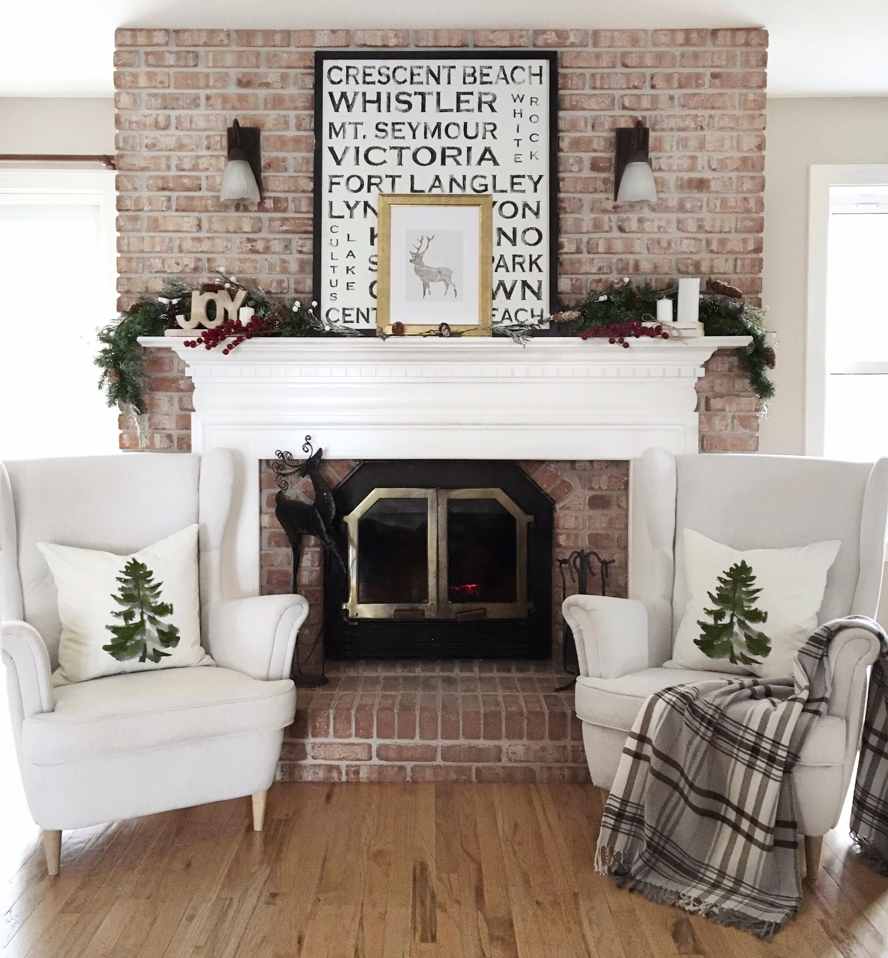 Classic Christmas By The Fireplace Living Room Diy Diy Home Decor On A Budget Home Decor