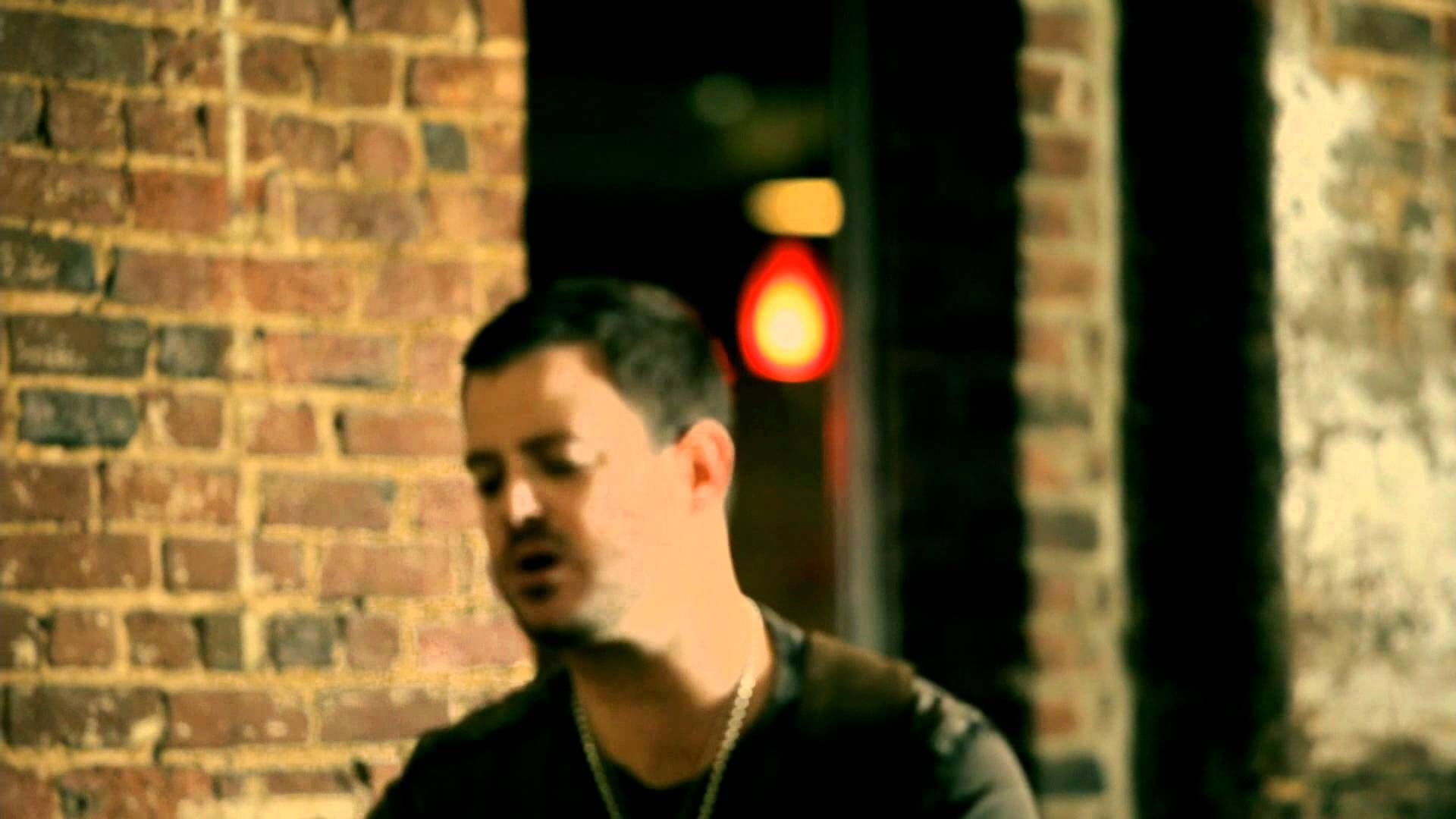 Wade Bowen - Say Anything (Acoustic) - YouTube