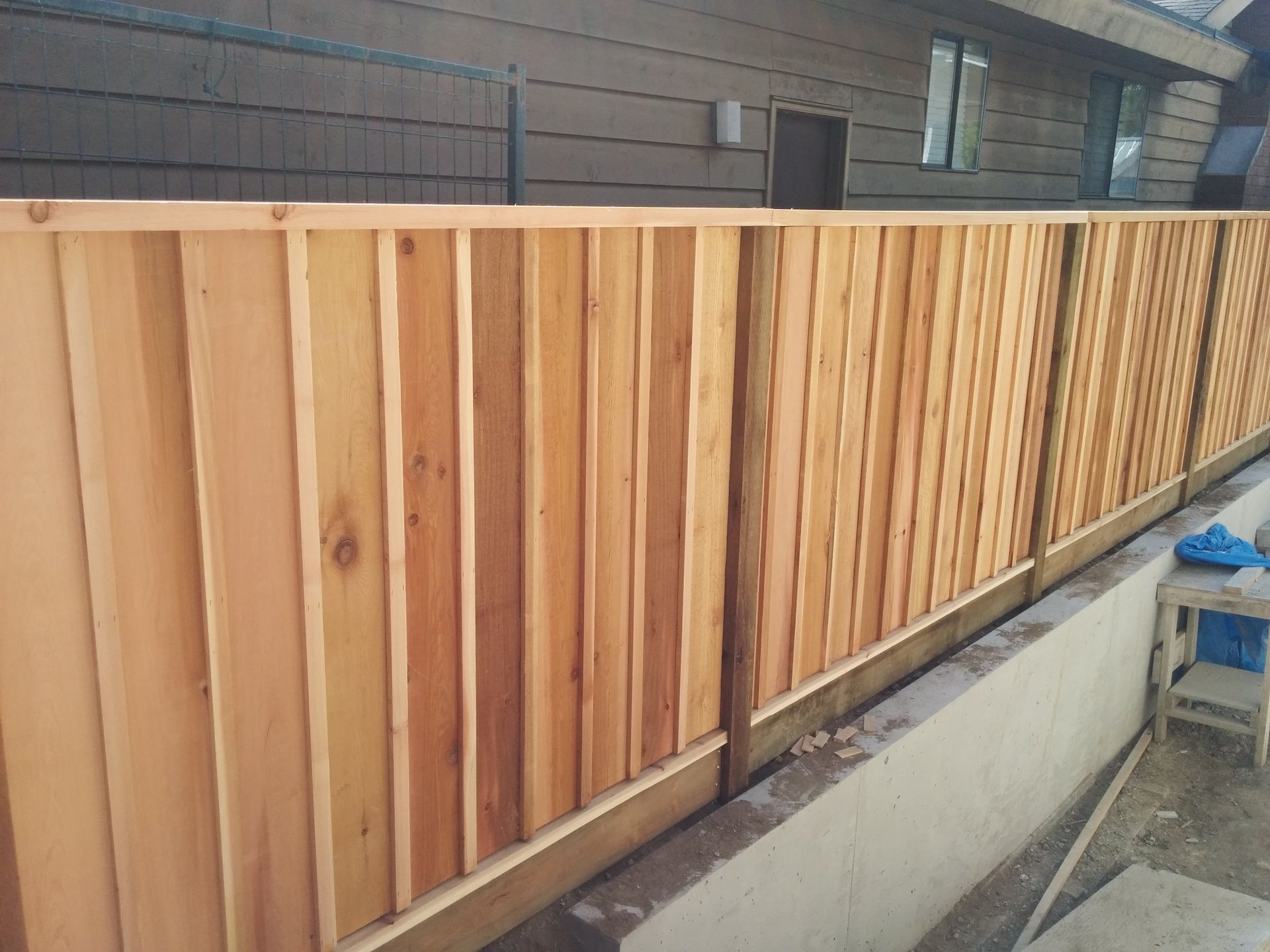 Nice Little Cedar Board And Batten Fence Cedar Fence Boards Cedar Fence Fence Boards