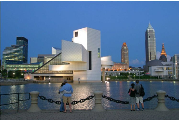 Rock N Roll Hall Of Fame On Lake Erie Cleveland Ohio Ohio Vacations Cleveland Ohio Vacation