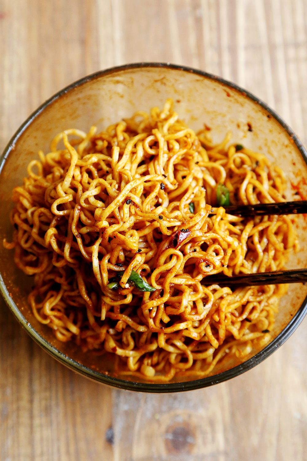 Organic Ramen With Sesame And Spicy Chili Seasoning Favourite Recipes Noodles And Pasta