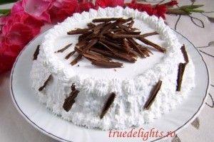 Tort cu pere caramelizate si frisca - Culinar.ro