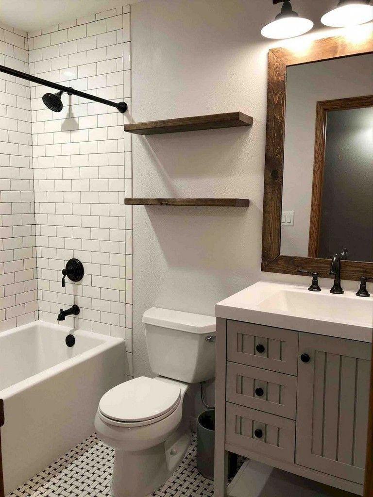 Inspiring Methods That We Adore Ceramicbathroomtile Badezimmer Mit Weissen Fliesen Bad Fliesen Designs Badezimmer Innenausstattung