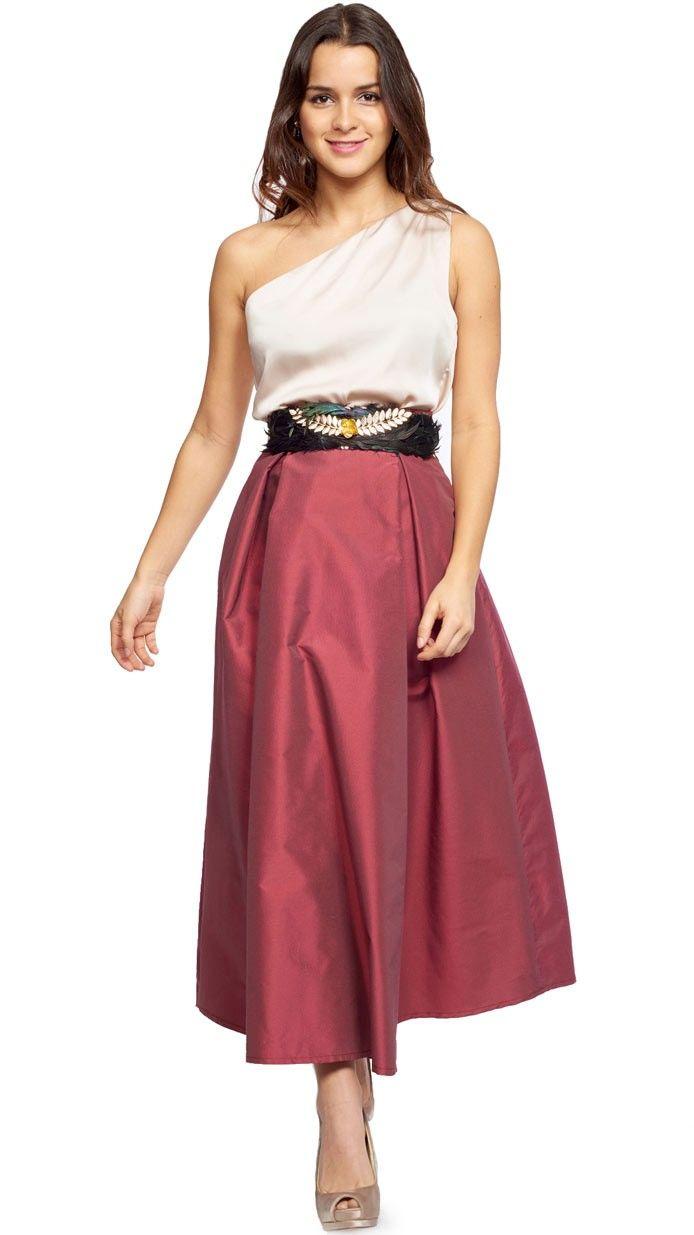 bd98316b9 falda midi en burdeos perfecta para tu look de invitada de bodas ...