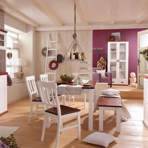 Die Massivholz-Möbel sorgen für ein ganz besonderes Ambiente zum - www küchen quelle de