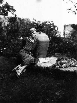 13 Powerful Women And Their Dogs Virginia Woolf