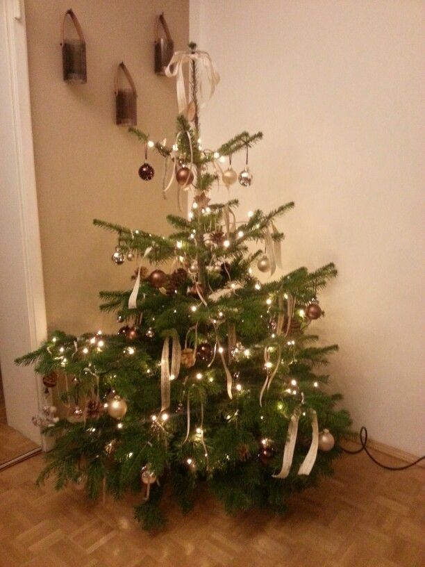 Christmastree in beige and  brown