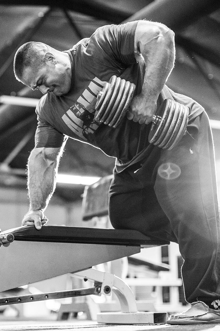 Evan Centopani's Switched-On Back Workout | Bodybuilding.com
