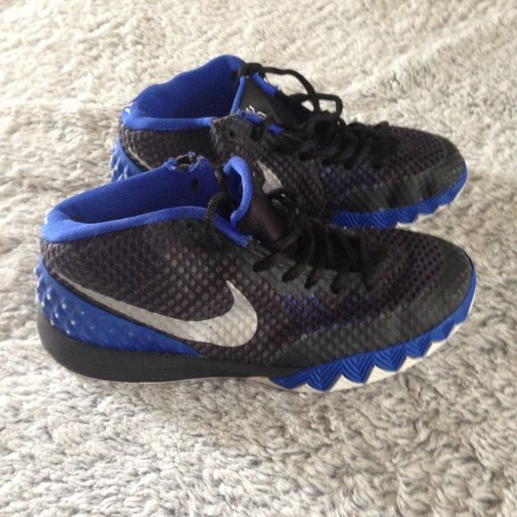 buy popular fed15 4a5c4 Kids size Kyrie Irving Basketball shoes Black and blue Kyrie Irving  basketball shoes in kids size 3. Used but still have lots of life left.
