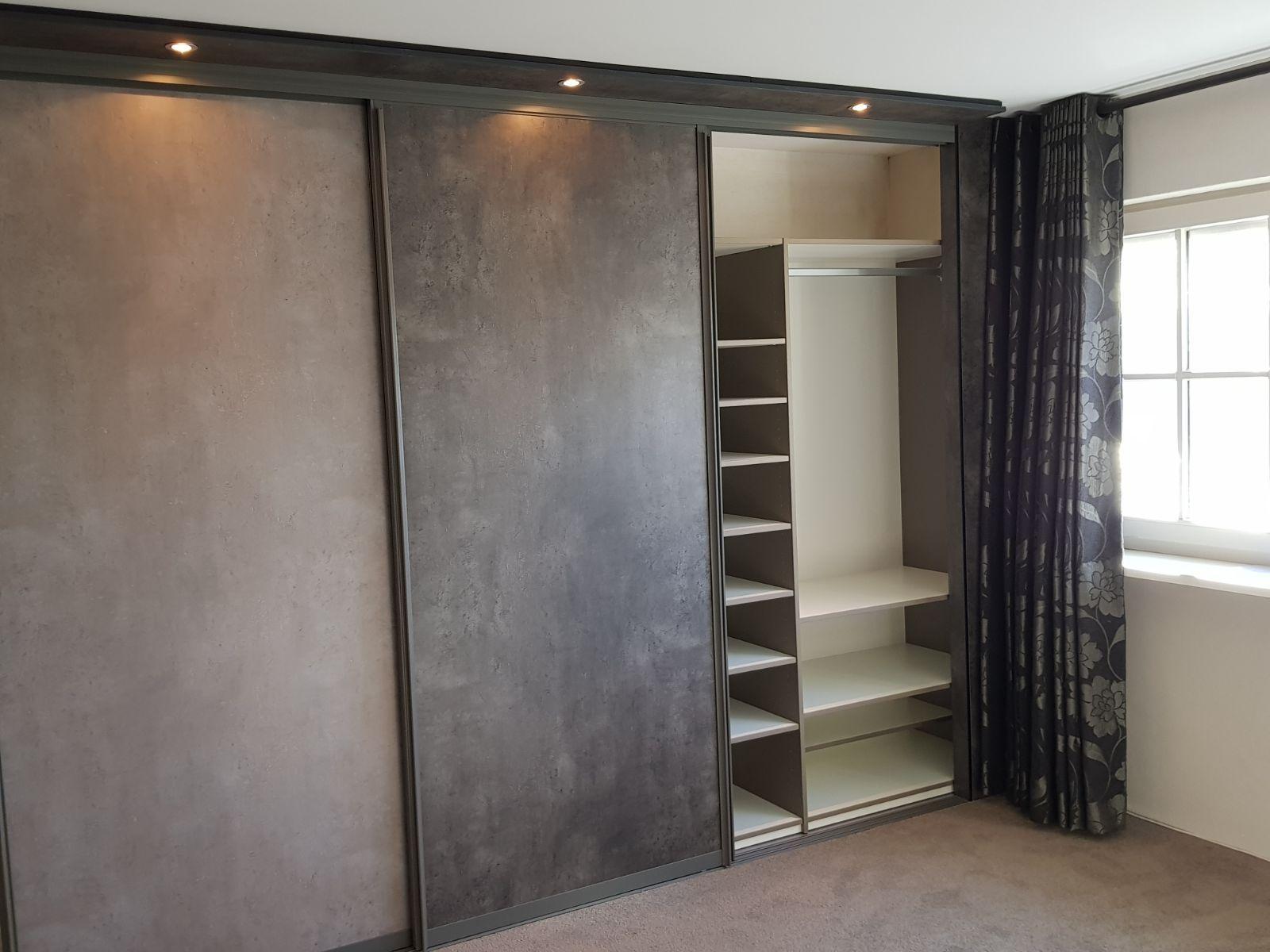 Spiegel Op Maat : Prachtige kastenwand op maat voorzien van spiegel schuifdeuren en
