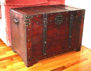 Lovely Amazon.com: Old Fashioned Wood Storage Trunk Wooden Treasure Hope Chest:  Furniture U0026