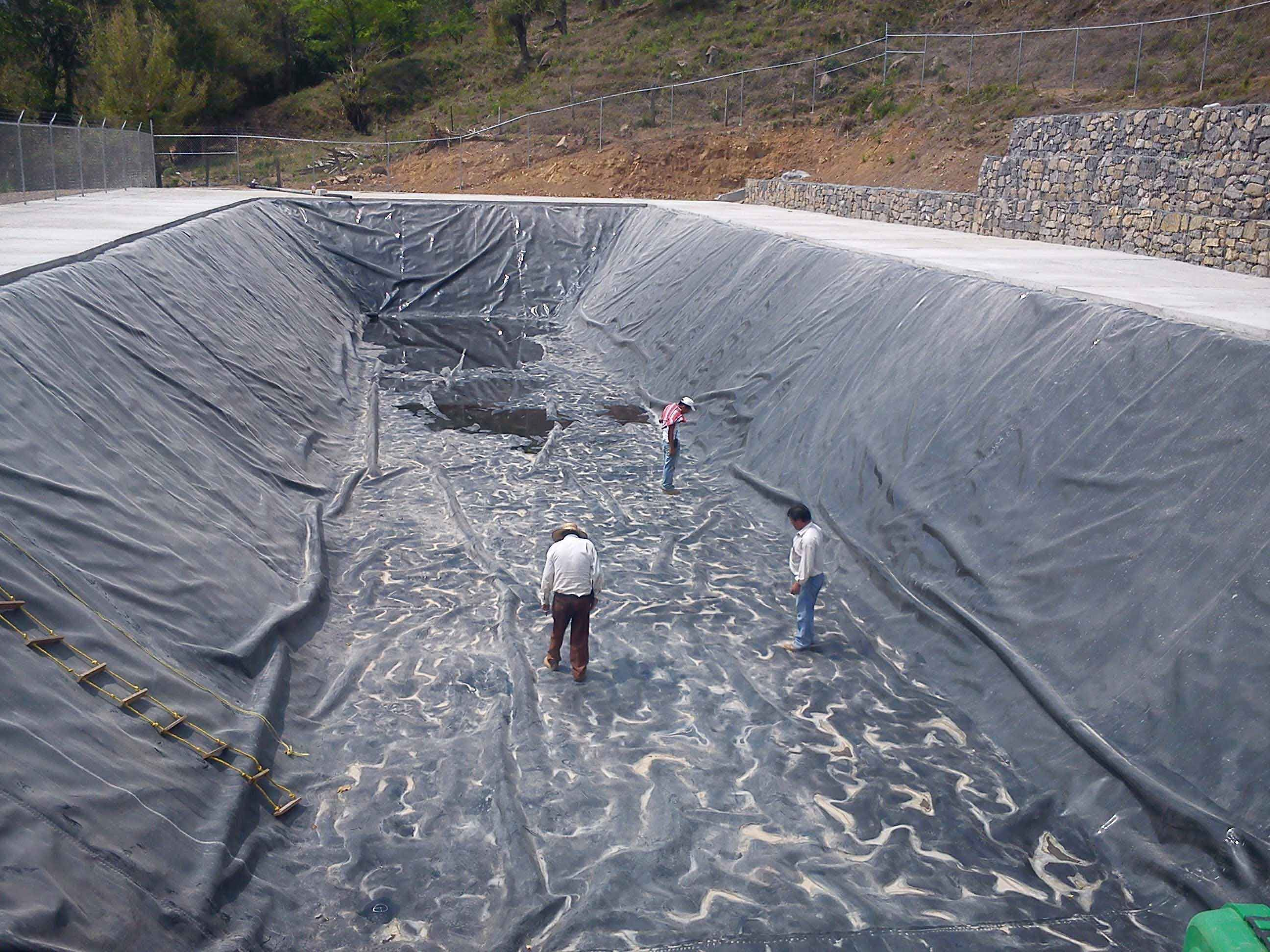 Olla de captaci n con geomembrana de polietileno hdpe for Estanques de geomembrana precios en colombia