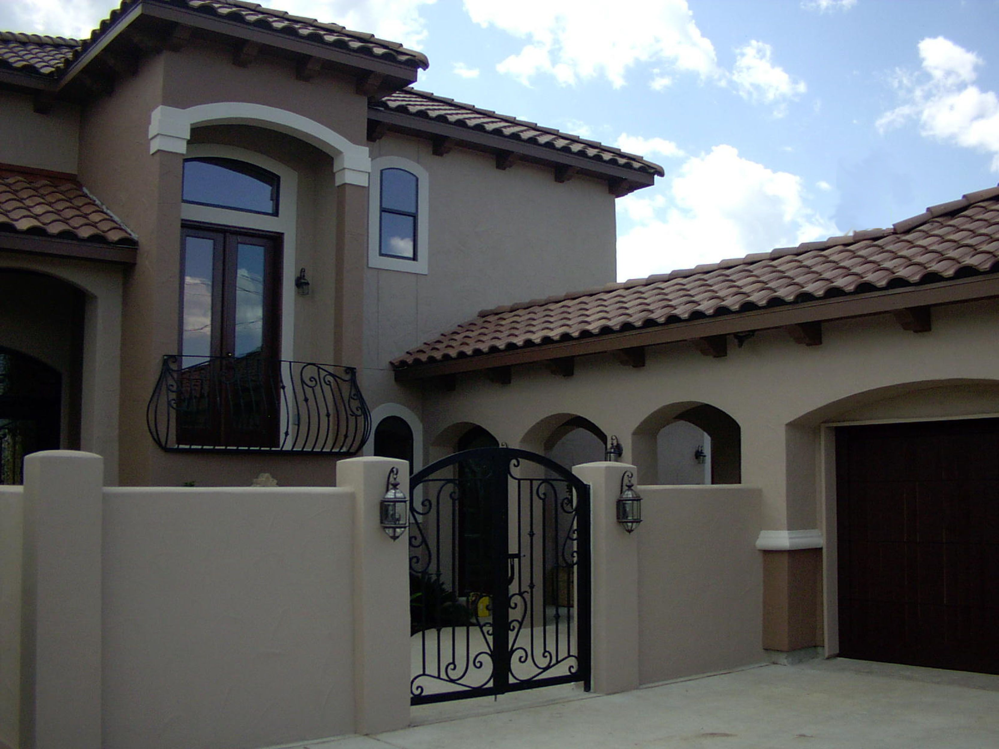 Courtyard, arch breezeway, iron gate, arch, tile roof ... on Gate Color Ideas  id=59345