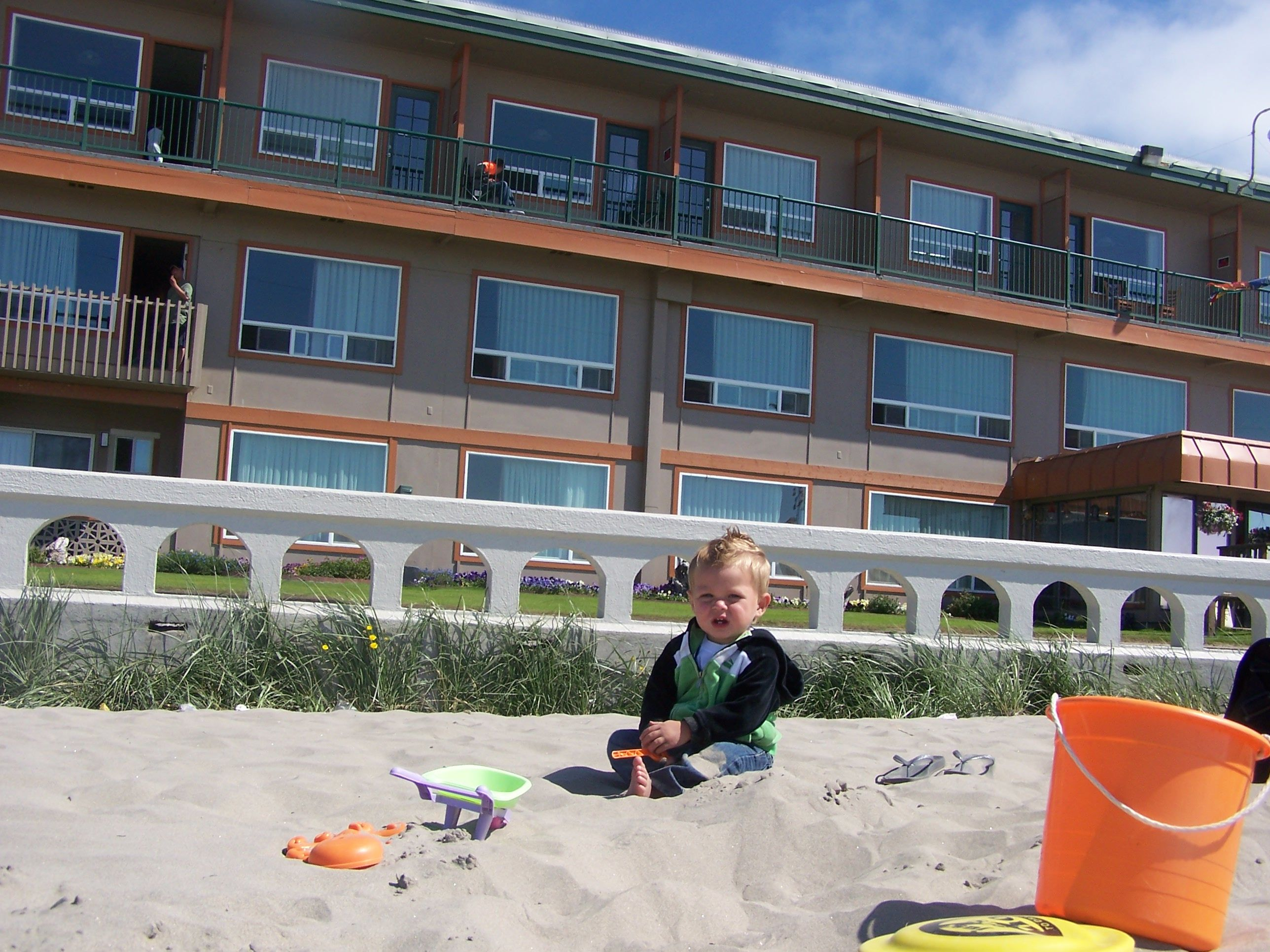 seaside comfort rentals average cottage beach booking overview oregon review inn vacation dollar comforter sand