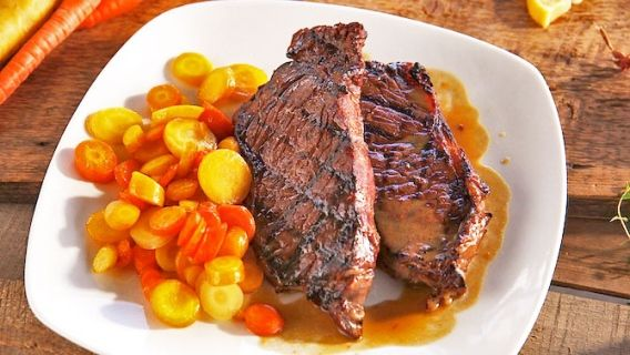 Biftecks au whisky - Recettes de cuisine, trucs et conseils - Canal Vie