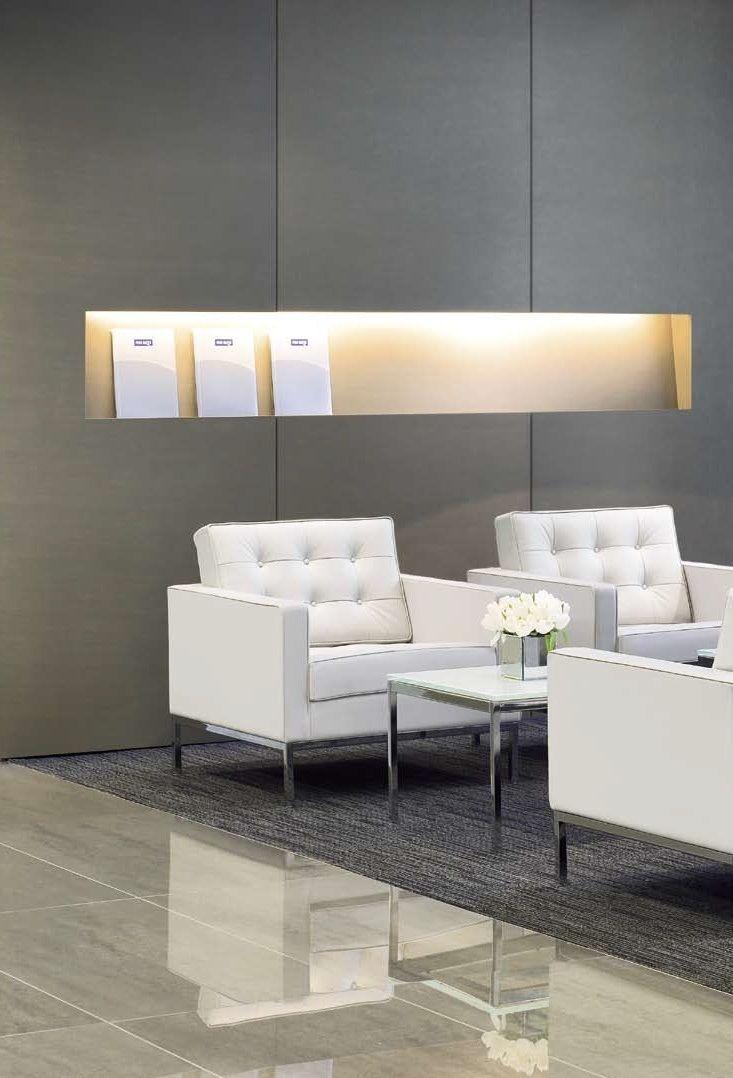 Waiting area / Florence Knoll Lounge