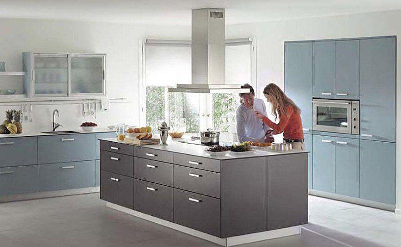 Moderna cocina con isla dise o de interiores proyectos for Diseno de interiores de cocinas pequenas modernas