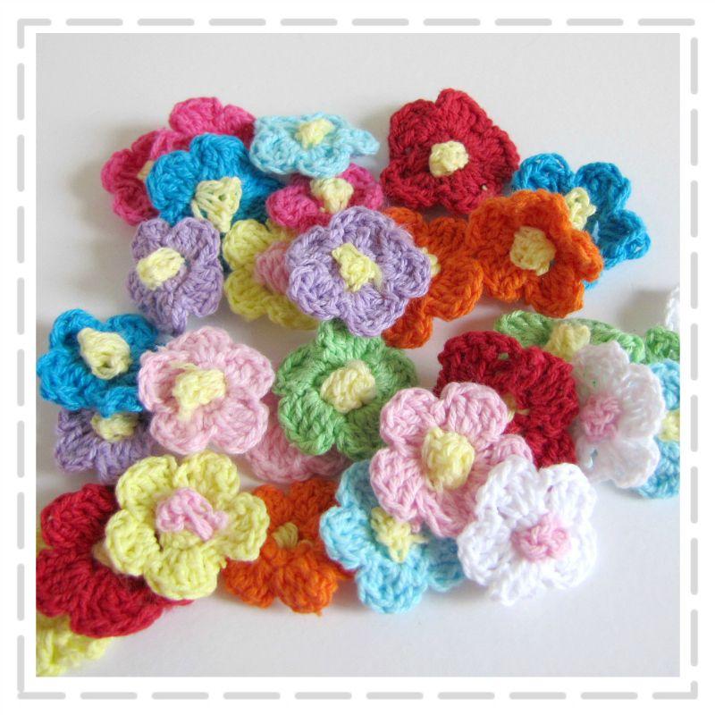 Mini Crochet Flowers - 30 pack by The Haby Goddess