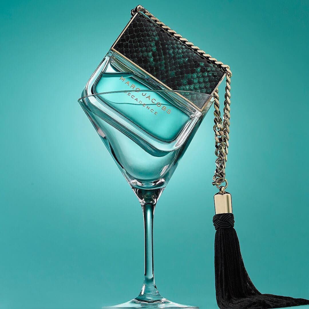 Now serving: Marc Jacobs Divine Decadence, straight up! 🍸   Marc jacobs  perfume, Perfume, Perfume set