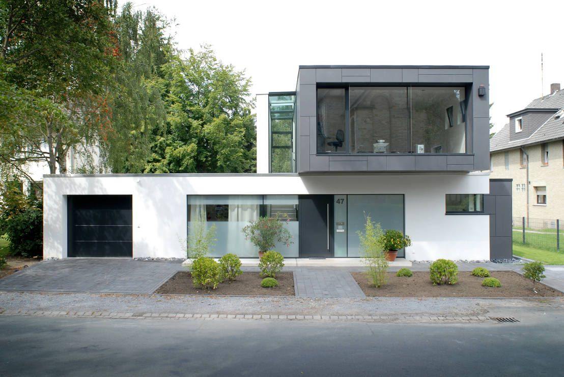 Moderne einfahrten einfamilienhaus  Raffiniertes Einfamilienhaus mit Klasse | Einfamilienhaus, Klasse ...