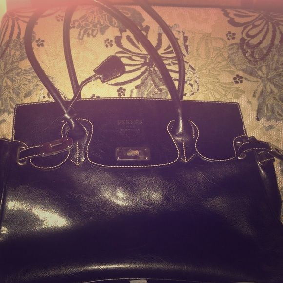 Hermes Hand Bag It's a old style hand bag . In 9-10 Condition. Price negotiable Hermes Bags Mini Bags