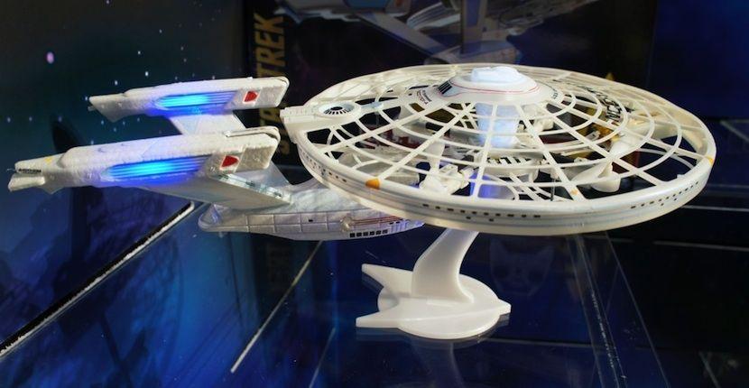 USS Enterprise en formato drone, un gadget que no te puede faltar - http://www.hwlibre.com/uss-enterprise-en-formato-drone-un-gadget-que-no-te-puede-faltar/