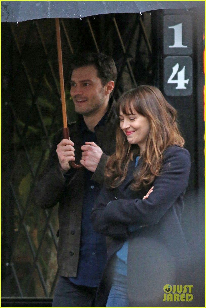 So sweet! @lilyslibrary Jamie Dornan is Dakota Johnson's Umbrella Holder on 'Fifty Shades Darker' Set!