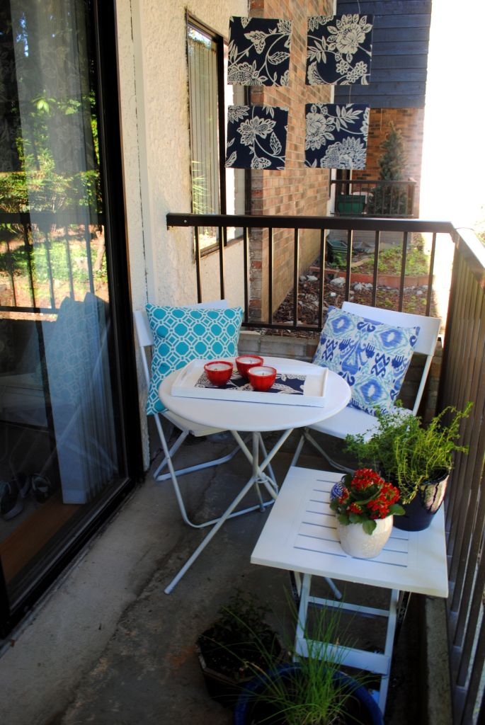 Spray Paint Your Plastic Patio Furniture