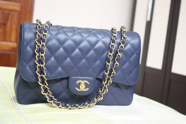 89b524c555aa chanel classic caviar jumbo navy blue with gold hardware | classy ...