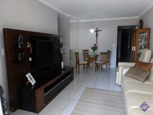 Apartamento à venda no Centro com 3 quartos. http://www.gilbertopinheiroimoveis.com.br/imovel/2430/apartamento-guarapari--centro