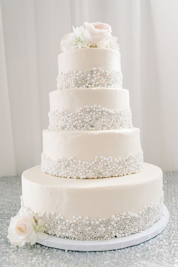 elegant all white wedding cakes 25 fabulous wedding cake ideas with pearls pearl wedding 13954