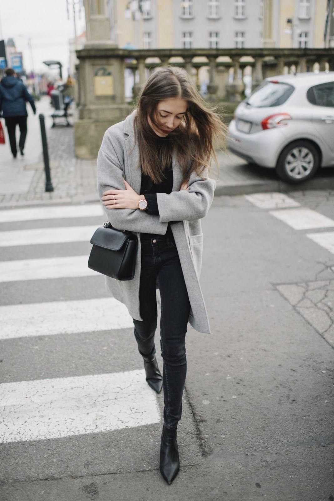 f02aacfd96182 Szary płaszcz na jesień i zimę. Jak nosić szarości jesienią i zimą? Czarny  zestaw w połączeniu z szarym płaszczem/marynarką.