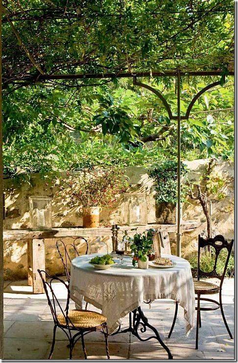 Pin di vittorio proteo su giardino pinterest case di for Ufficio di campagna francese