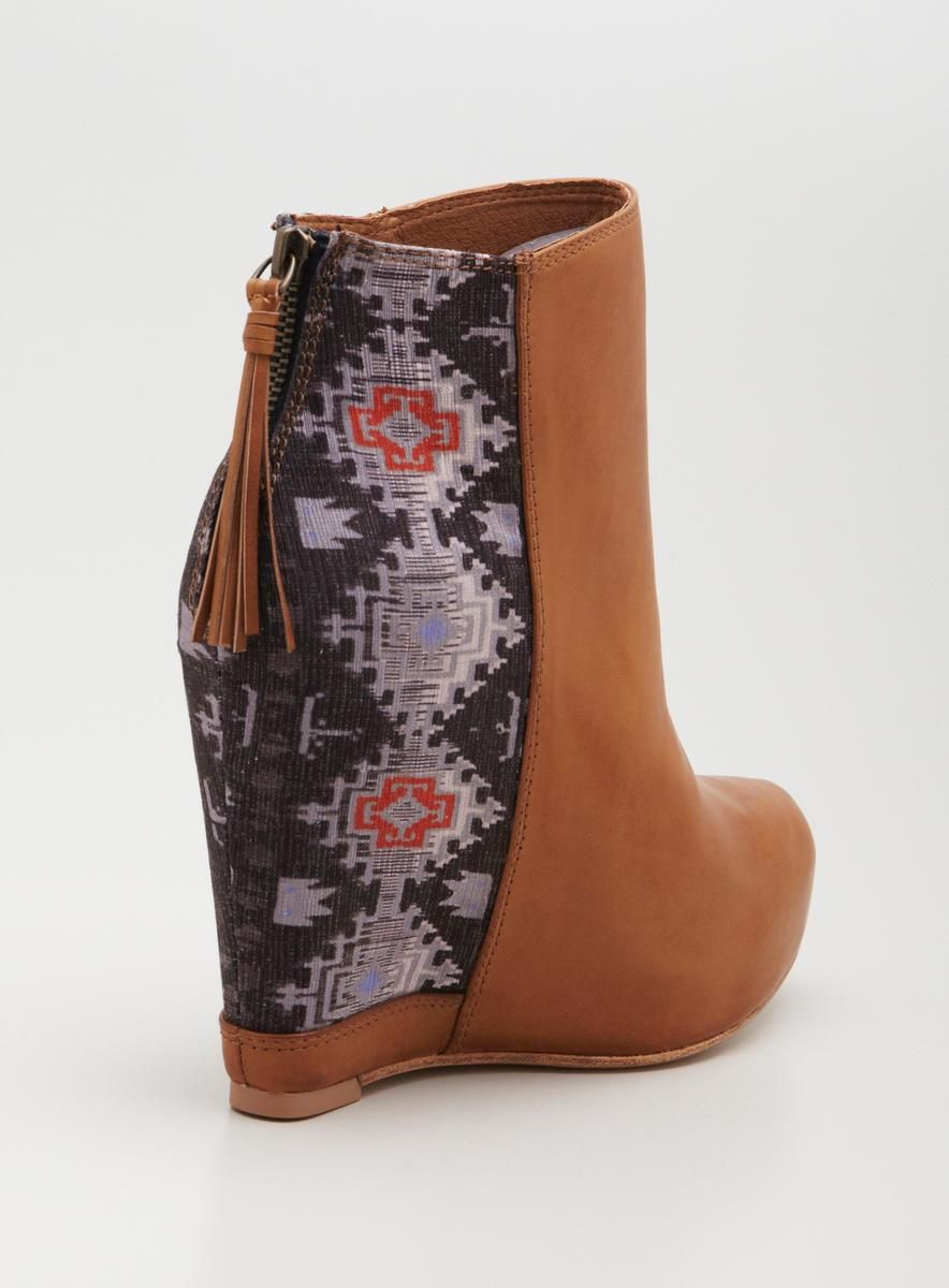 @Overstock - Ella Moss Janelle High Wedge Leather Bootie - Complete your look with this stylish, high-end product  http://www.overstock.com/Clothing-Shoes/Ella-Moss-Janelle-High-Wedge-Leather-Bootie/8225737/product.html?CID=214117 $60.00