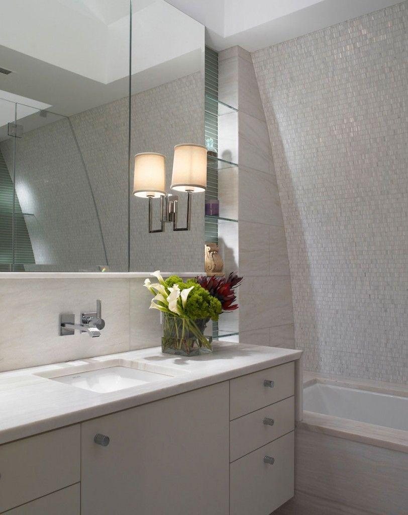 Penthouse Luxueux Sur Central Park New York Designs De Petite Salle De Bains Design D Interieur Blanc Meuble Lavabo