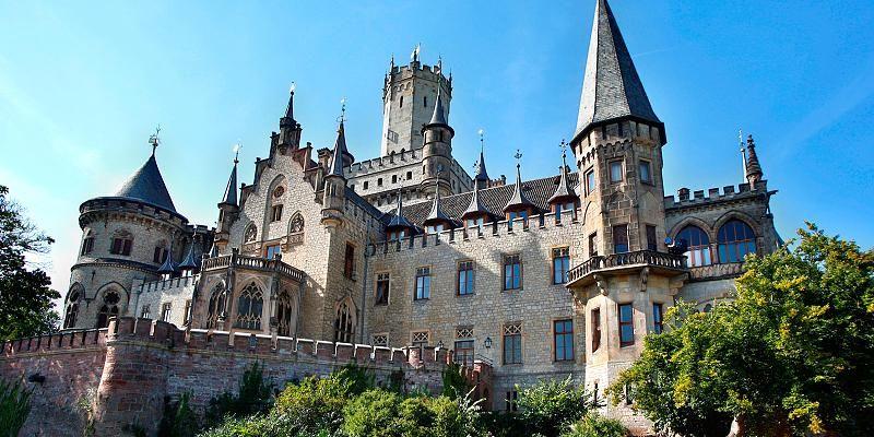 Wenn Alte Gemauer Verzaubern Schloss Im Dornroschenschlaf Marienburg Germany Castles Castle German Palaces