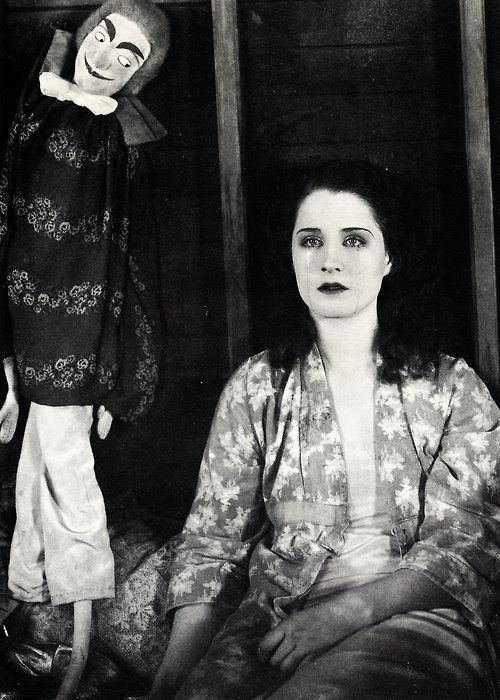 The Devil's Circus, 1926  Norma Shearer. (NB interesting to note for plot purposes that the circus struggled after the great depression... so in the 30s many circuses would have been on the brink of closing down...)