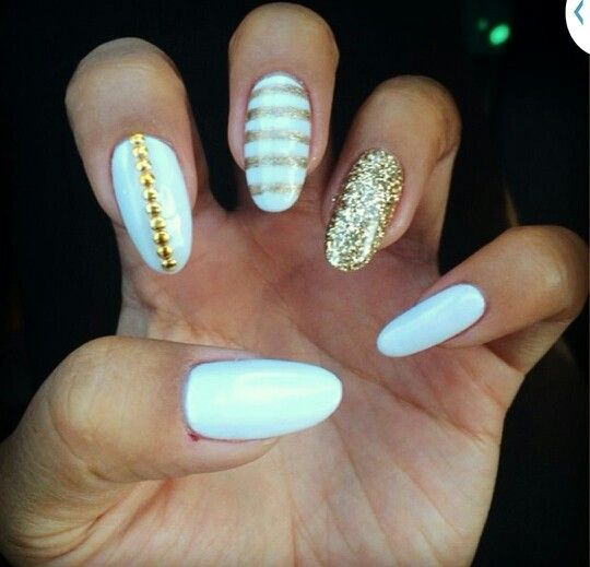 White And Gold Nails Almond Shaped With Images Gold Nails Almond Nails Designs White Gel Nails