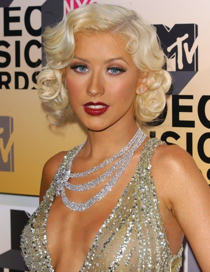 Christina aguilera finger wave google search divers for Coupe cheveux burlesque