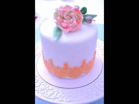 how to make edible lace for cakes